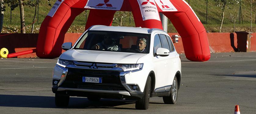 Corso di Guida Sicura per i d.s. del team ciclistico UAE Emirates organizzato da Mitsubishi Motors con la Scuola Pilotaggio Mitsubishi